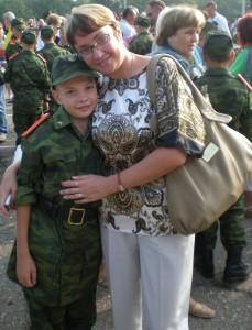 Суворовцу Дмитрию Белых  нравится носить военную форму - его мама Виктория Сергеевна гордится своим сыном - будущим офицером