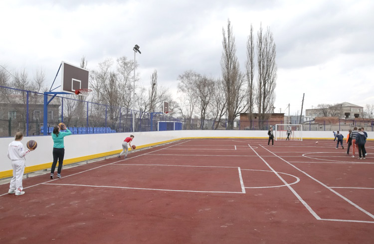 Новая спортивная площадка у школы №2