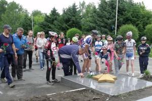 В велопробеге приняли участие более шестидесяти спортсменов и любителей, больших и маленьких