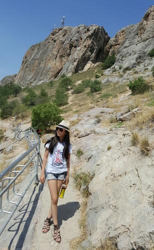 Путь к горе Сулейман-Тоо
