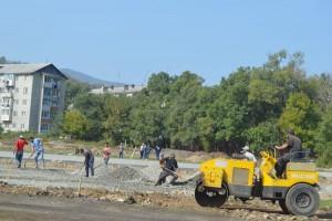 """Работы на """"Локомотиве"""" идут полным ходом: осень времени на раскачку строителям не дает"""