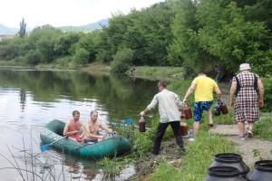 """Добровольцы """"Ростка"""" в 2016 году закачали в озеро Порода  две тонны М-препарата"""