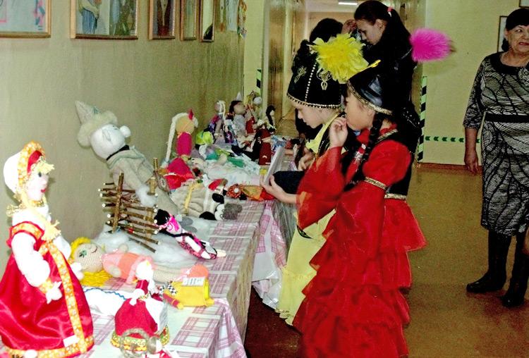 Выставка кукол интересна и взрослым, и детям