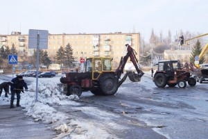 """""""Горхоз"""" - это не только дороги, но и праздничное убранство центральной площади к Новому году"""