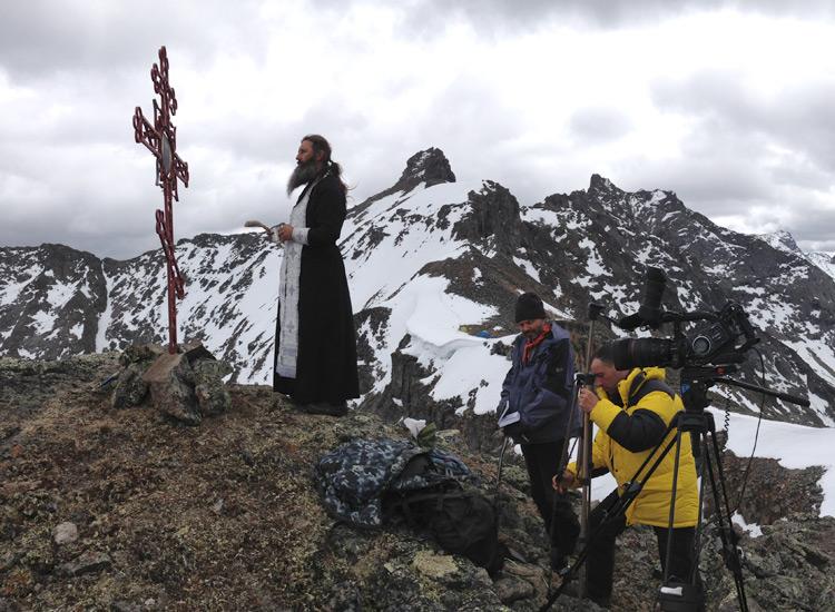 Крест и молебен в память о погибших