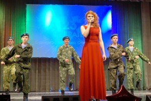 Большой концерт стал творческим подарком защитникам Отечества и их близким