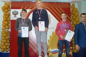 Владислав Разлатов принимает поздравления с победой