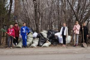 И это далеко не весь мусор, собранный в сквере «Юбилейном»