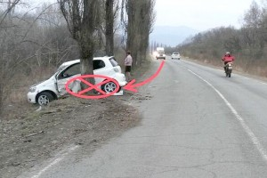Разбил автомобиль и покинул место ДТП