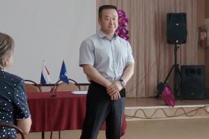 Владимир Хан стал первым среди трех кандидатов