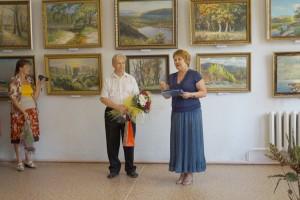 В своих полотнах художник воспевает красоту Партизанска и других уголков Приморья