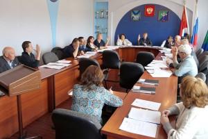 12 депутатов проголосовали за сделку, которая позволит выровнять баланс бюджета