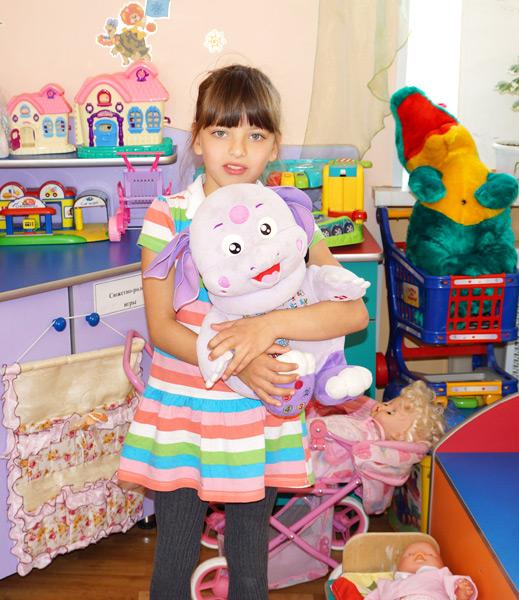 Диана мечтает получить в подарок игрушечных персонажей мультика «Маша и Медведь»