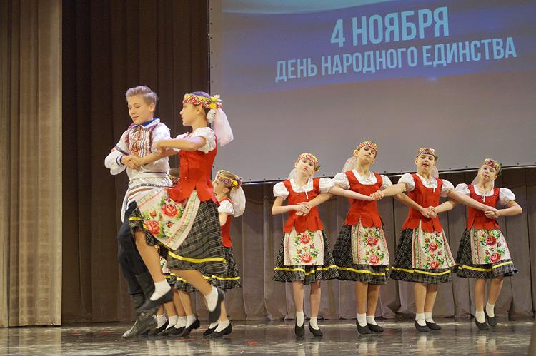Зрители восхищались не только мастерством танцоров, но и их нарядами