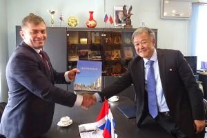 Глава ПГО и Генеральный консул КНДР обсудили вопросы взаимного сотрудничества и внешней политики