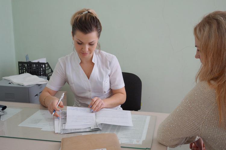 Новый врач акушер-гинеколог Виктория Бурмистрова будет проводить  УЗИ-обследования в стационаре