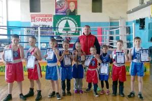 Воспитанники тренера Зуфара Кутлиахметова уверенно побеждают на краевом ринге