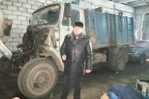 На одном из четырех мусоровозов «Горхоза» требуется замена двигателя