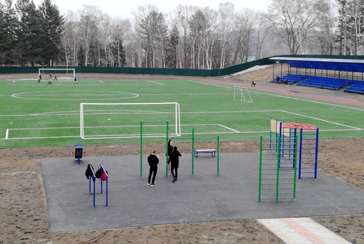 Стадион - место для занятий спортом, а не бар под открытым небом
