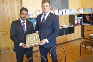 Стороны обсудили направления сотрудничества Индии и Партизанска