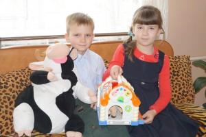 Алина и Рома – родные брат и сестра