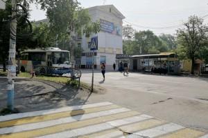 Пешеходы отсутствия «зебры» как будто и не заметили