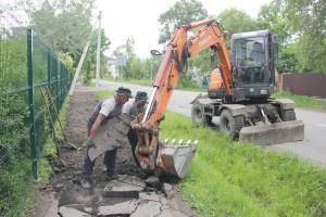 Демонтаж старого асфальта на Тургенева