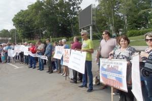 На предприятиях города идет сбор подписей против повышения пенсионного возраста