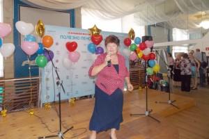 Выступление Ларисы Иваненко с песней собственного сочинения стало приятным сюрпризом для гостей форума