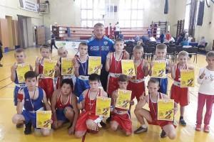Зуфар Кутлиахметов с юными чемпионами