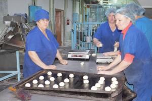 Уже три года хлебопеки Партизанска кормят вкусными булочками пассажиров самолетов
