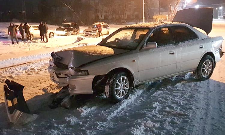 На улице Партизанской столкнулись два автомобиля