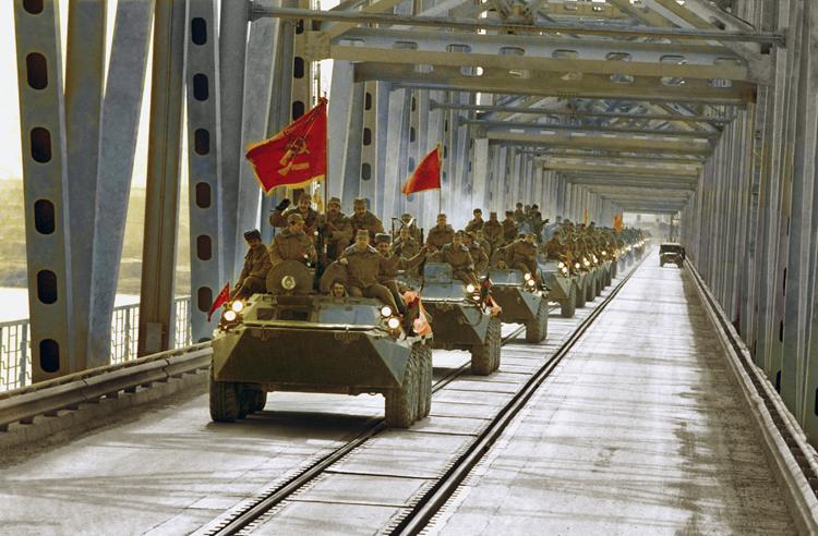 К 15 февраля 1989 года Афганистан покинули более ста тысяч советских солдат