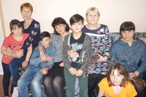 Большая, дружная семья: много мам и много детей