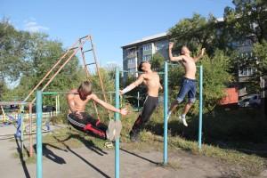 Воркаут и гимнастика похожи, но для ребят не одно и то же