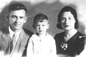 Кронид Вениаминович с папой и мамой