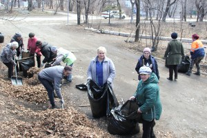 Дворники ООО «Сица» начали весеннюю уборку с «Глубокой»