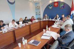 Собрать необходимое для кворума количество депутатов удалось не сразу