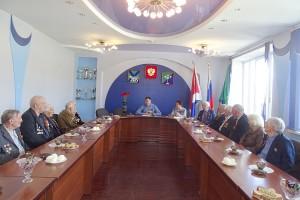 Ветеранов поздравил глава округа