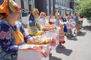 Праздник прошел в лучших традициях русских гуляний - с угощением, задором и хорошим настроением