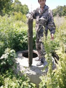 В трубах и колодцах встречаются даже бревна