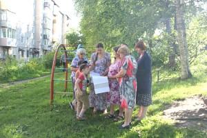 На Кореннова, 26 будут детская площадка, асфальт, новые лестницы и ливневка