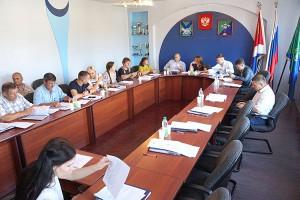 На очередное заседание смогли собраться всего двенадцать из двадцати депутатов