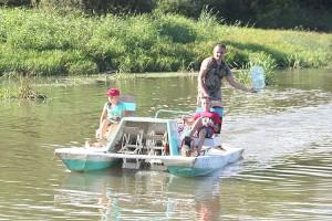 В озеро «закачали» 600 литров «М-раствора»
