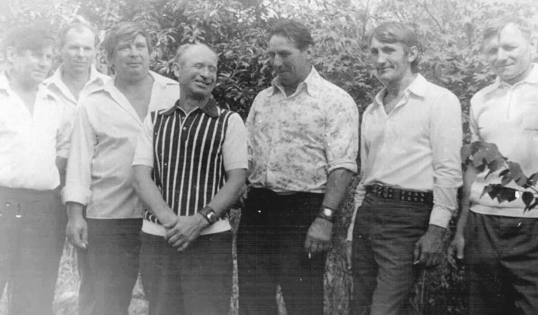 Передовики-проходчики и забойщики на праздновании Дня шахтера. Середина 70-х годов ХХ века