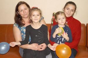 Татьяна Малахова во всем поддерживает своих творческих дочерей