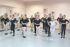 Поступить на отделение хореографии ДШИ может каждый ребенок, если он хочет танцевать
