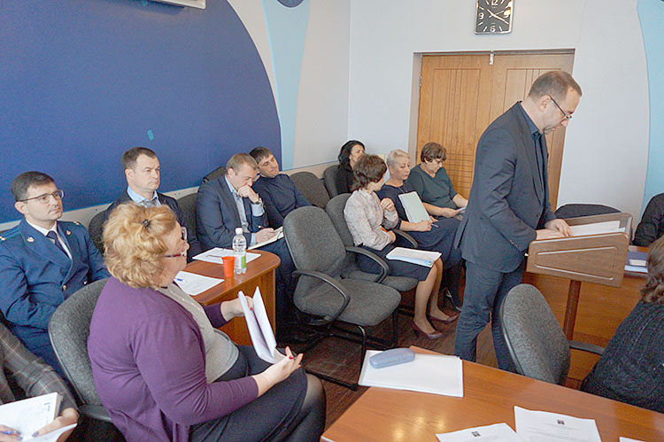 Главный финансовый документ округа принят во втором и третьем чтениях