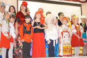 На одной сцене представители разных национальностей из Приморья