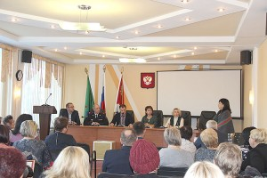 О том, как защитить детей Партизанска от «заразы» решали первые лица округа